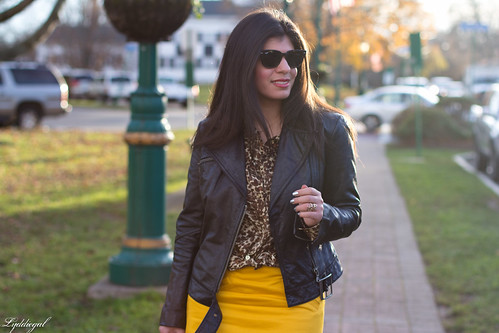gold pencil skirt-2.jpg