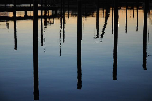 Morgendämmerung über dem leeren Hafen; Damp (798)
