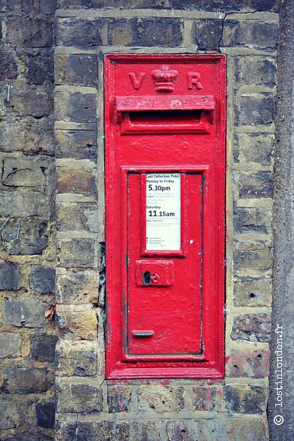 red mailbox london
