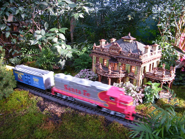 Model trains model buildings new york botanical garden holiday train show bronx ny flickr for Bronx botanical garden train show