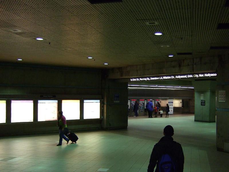 [Fujifilm F31] 洛杉磯地鐵閒晃