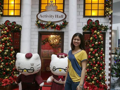 Hello_Kitty-village