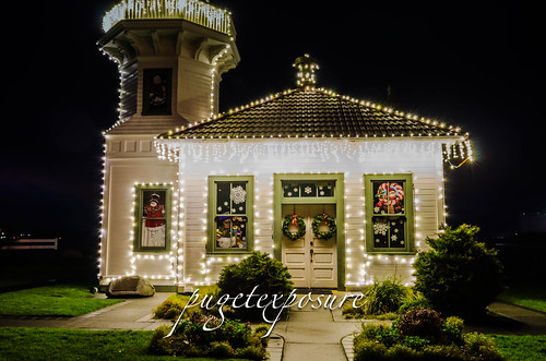 Mukilteo Lighthouse Christmas Decor 2012
