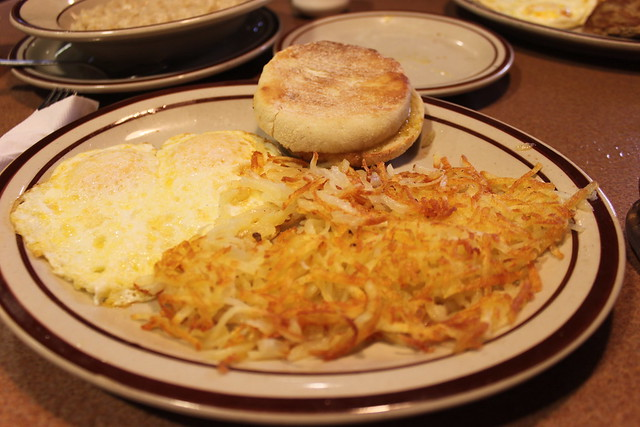 The Hobbit's Breakfast @ Denny's 010
