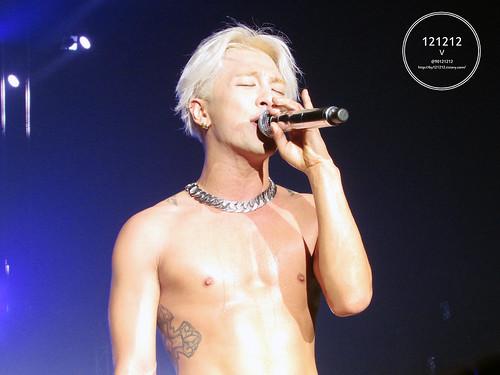 Taeyang-Seoul-day1-20141010-90121212_06