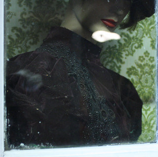 Lady under glass, detail