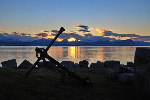 anker molde norge noreg norway sunset solnedgang horisonten romsdal sunsetazo mygearandme noruega noorwegen sólarlag weather oc erlingsivertsen silhouette