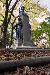 Commonwealth Avenue Mall: Statue