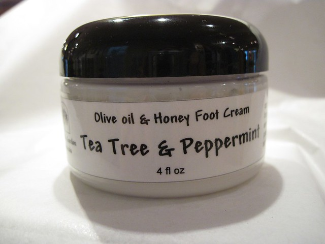 Olive Oil & Honey Foot Cream with peppermint & tea tree