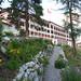 Pohled od botanické zahrady na secesní hotel Schatzalp, ležící v nadmořské výšce 1861 m n. m. , foto: Roman Gric a Radim Polcer
