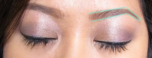 Tutorial: How to use brown cream eyeliner on your brows