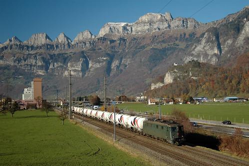train zug sbb cargo trein ffs holcim flums cff ae66 ganzzug ae610