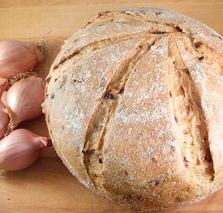Brood met sjalotjes