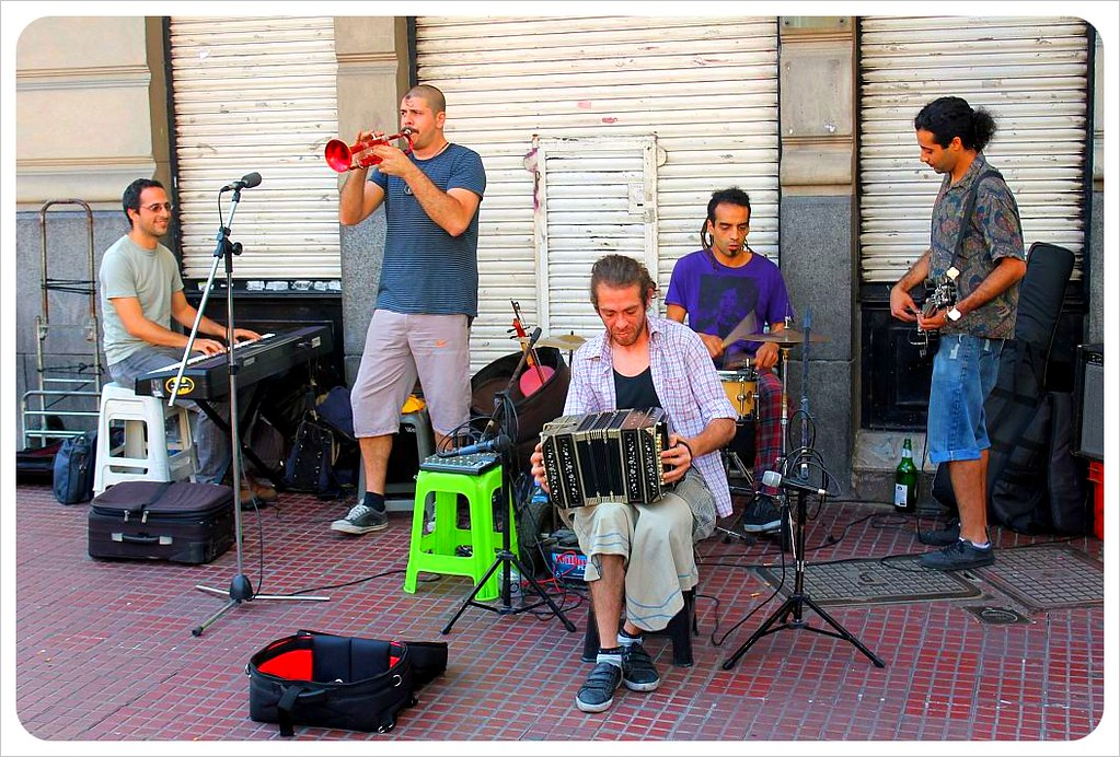 san telmo market street musicians