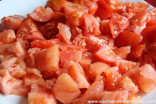 Compota de tomates con huevos escalfados (4)