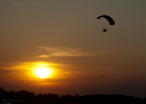 sunset clouds gold indiana experimentalaircraft indianapolisairshow poweredparasail