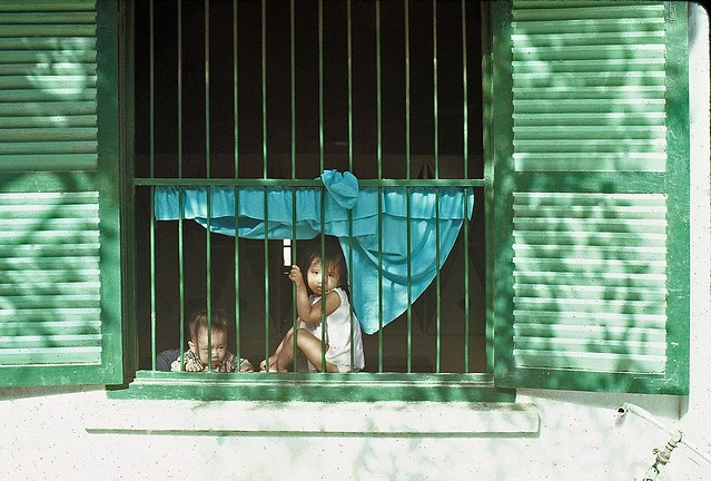 Qui Nhon street 1968 - Children