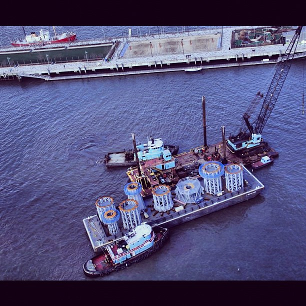 Barge carrying sections of the WTC spire