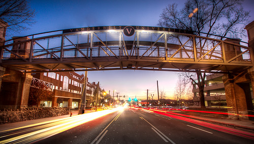 bridge sunset university nashville tennessee pedestrian vanderbilt lighttrails hdr streetview greentrafficlight vanderbiltuniversitymedicalcenter canoneos7d tamronspaf1024mmf3545diiildasphericalif vanderbiltmedicalcentereast