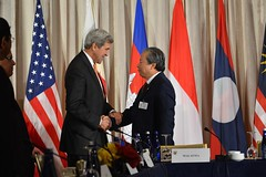 U.S. Secretary of State John Kerry shakes hands with Malaysia Foreign Minister Anifah Aman at the ASEAN Foreign Ministers Meeting, at the Palace Hotel, in New York City, New York on September 23, 2016. [State Department Photo/Public Domain]