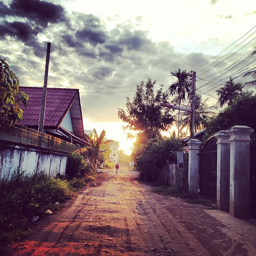 Morning in Ban Phonesavan, Vientiane by thomaswanhoff