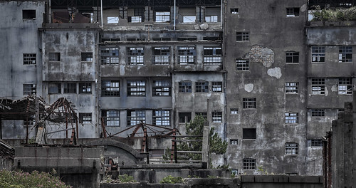 Hashima, originally uploaded by Stefan the Cameraman.