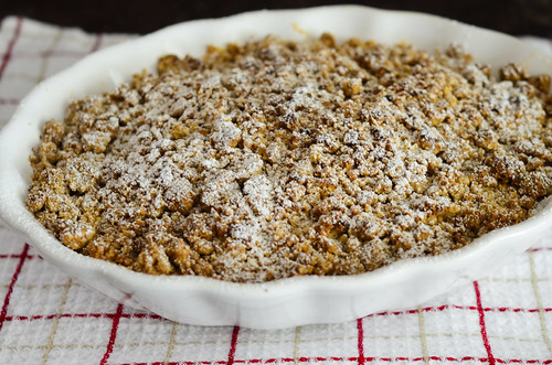 apple crisp with brown butter and vanilla bean