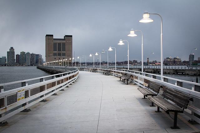 New York Pier, par Franck Vervial
