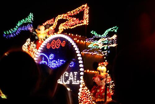Light-Parade_Mickey-and-Minnie