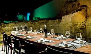 Salón de catering en la muralla defensiva de la ciudad.
