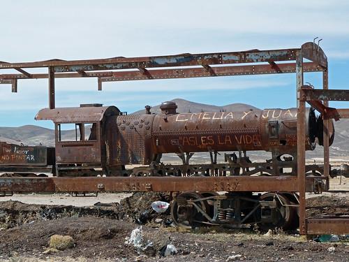 En el Cementerio de trenes de Uyuni