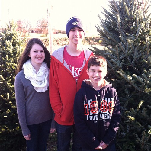 Tree pickin' time. #christmas