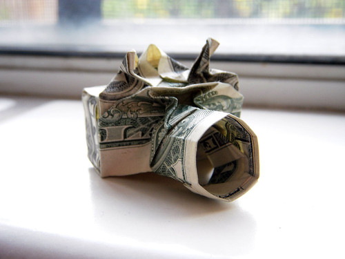 Dollar origami: camera by Won Park