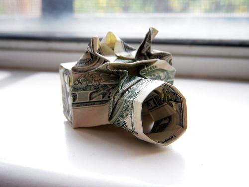 Dollar origami: camera by Won Park