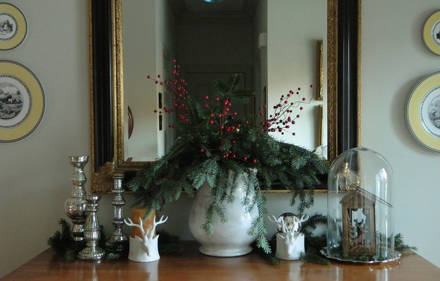 nordic christmas in the foyer via homeologymodernvintage.com