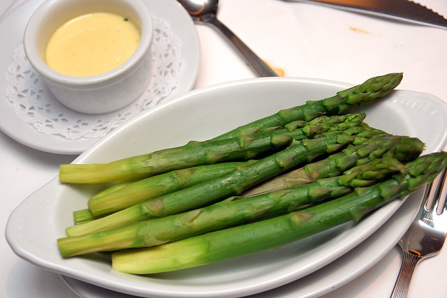 Fresh Asparagus with Hollandaise