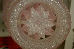 headpiece(0.0), organ(0.0), flower(1.0), glitter(1.0), circle(1.0), pink(1.0), petal(1.0),