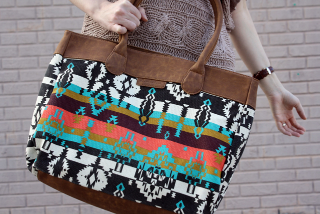 Billabong graphic tote