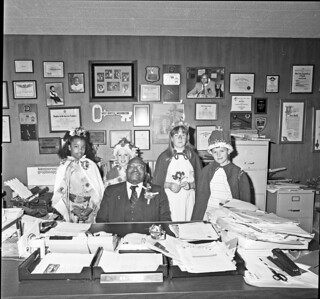 Councilmember Sam Smith with children, 1989