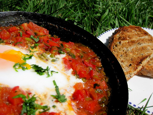 Shakshuka breakkie in the garden