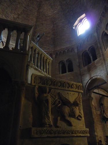 DSCN4877 _ Basilica Santuario Santo Stefano, Bologna, 18 October