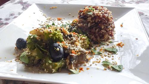 Rice with kale, mushroom and olives - Riso selvatico con broccolo, funghi e olive