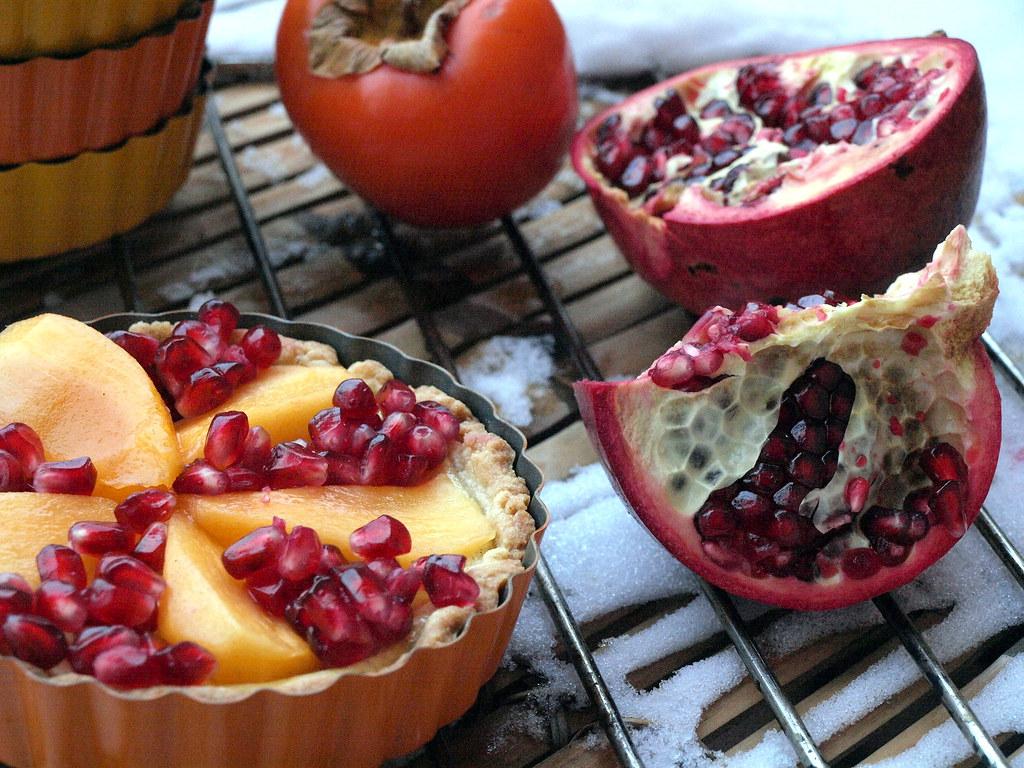 Tarte mit Granatapfel und Kaki