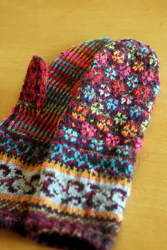 finished: grandmas mittens.