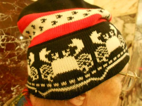 жаккардовый узор краб на шапке