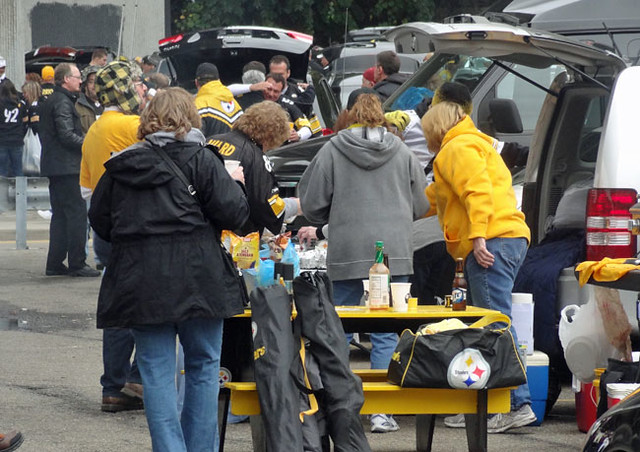 tailgating-steeler-game