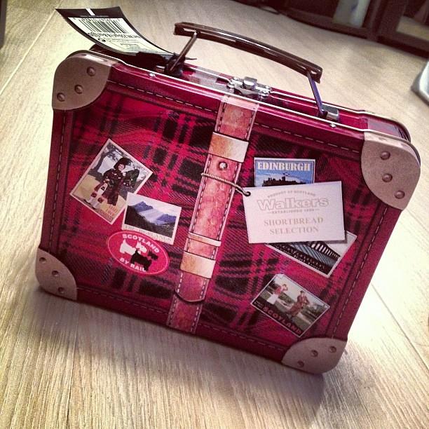 Шотландский чемоданчик. Со скотчами, конечно же!