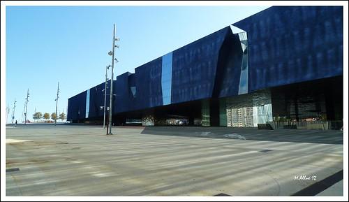 Edificio by Miguel Allué Aguilar