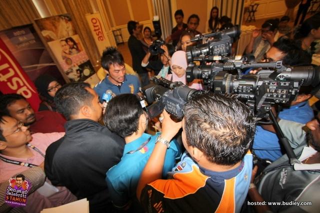 Kharul Fahmi Che Mat & Leuniey Umum Apex Tarikh Nikah & Majlis Resepsi
