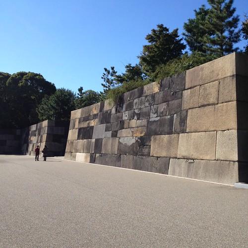 皇居東御苑の石垣 by haruhiko_iyota